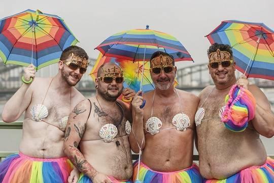 Гомосексуалисты пожаловались в Европу на чиновников Казани