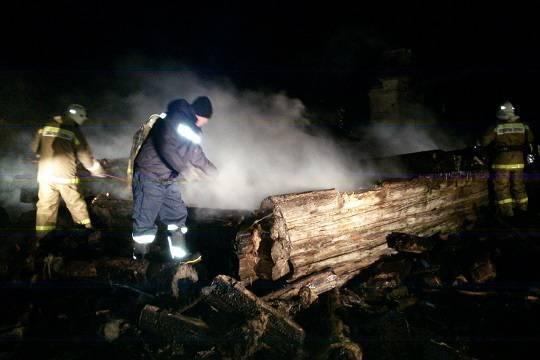 ВАгрызе врезультате сильного возгорания вдоме погибли три человека